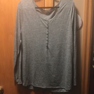 Old Navy Long Sleeve Gray Tee Shirt. Size XXL
